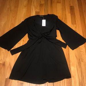 Dresses & Skirts - NEW Simplee Little Black Dress
